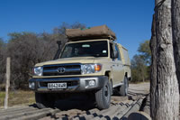 travel-adventures-botswana-4x4-vehicles-double-cab-4