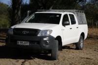 travel-adventures-botswana-4x4-vehicles-hilux-1